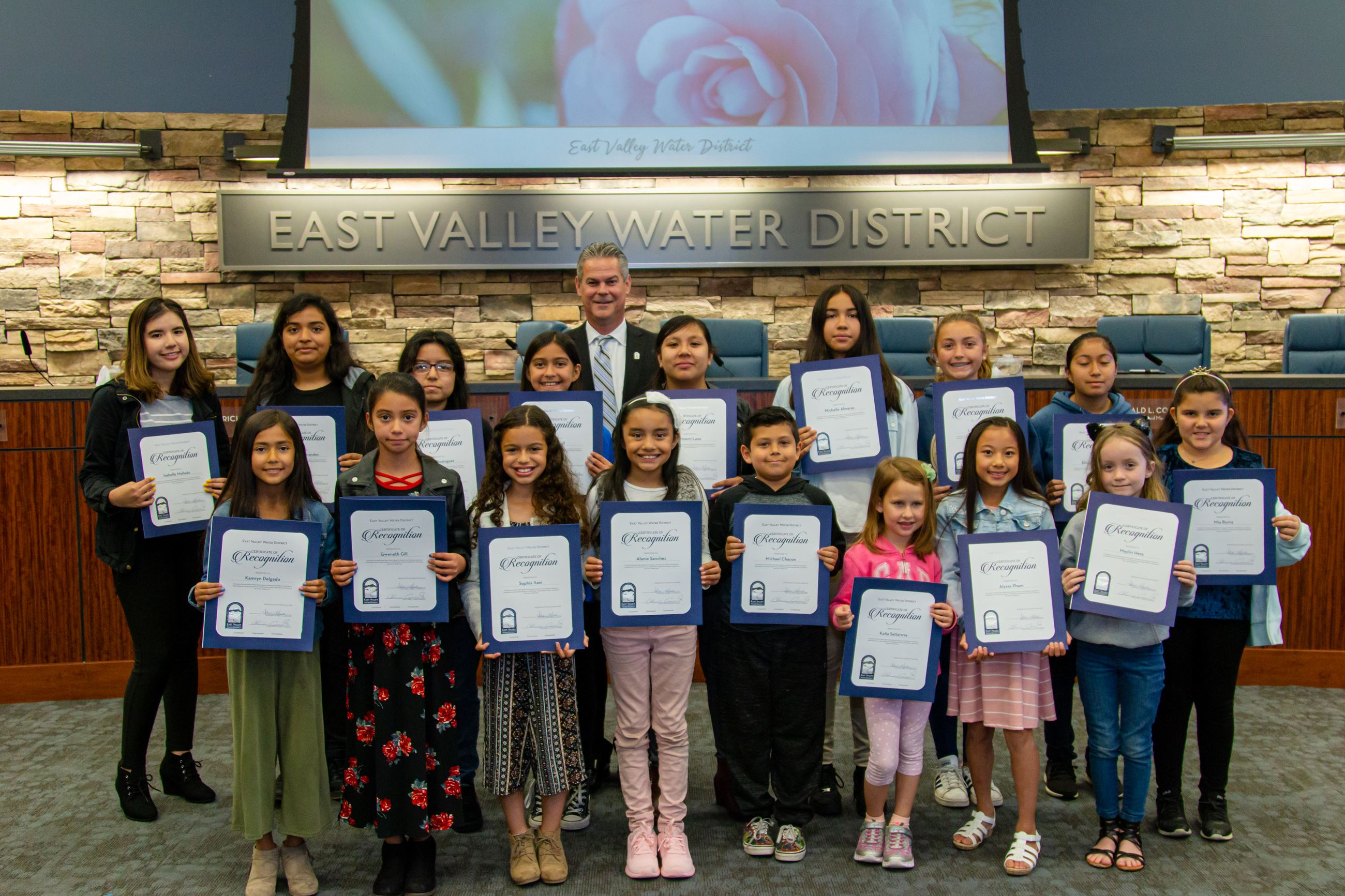 2019 Poster Contest Winners Receive their Award